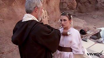 Священник в пустыне вскрыл членом анал симпатичной послушницы и кончил