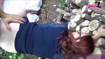 Рыжая на улице ебется с мужем и снимается в его приятном домашнем секс-видео