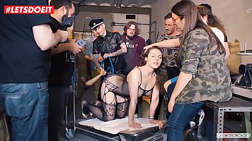 Party fans of BDSM ends with gruppovushki for a submissive brunette