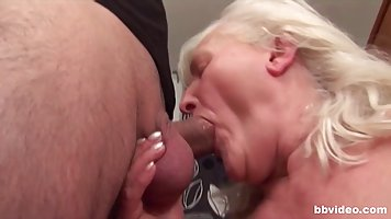 Mature lady with hairy pussy has sex right in the kitchen
